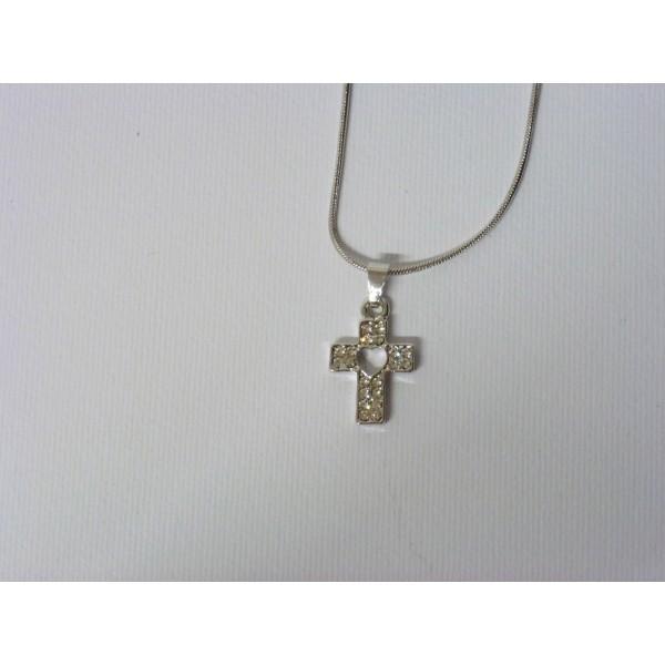 Collana donna con ciondolo a forma di croce con cuore interno